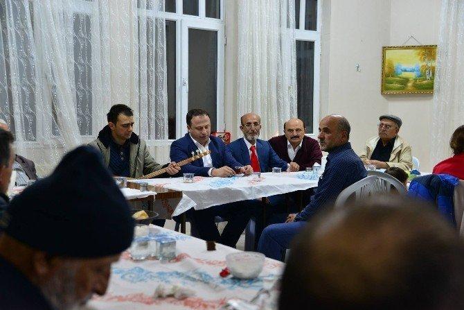Erbaa Belediyesi Kadın Meclisi Yaşlıları Ziyaret Etti