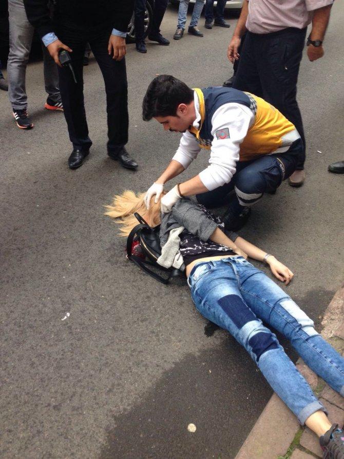 Genç kadına sokak ortasında silahlı saldırı