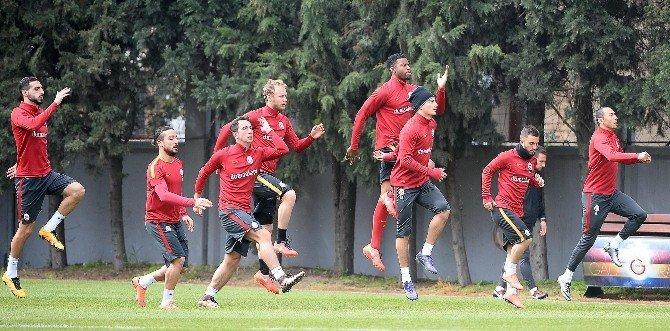 Galatasaray 11 Eksikle Çalıştı