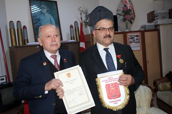 Dedesinin İstiklal Madalyası'nı 101 Yıl Sonra Teslim Aldı
