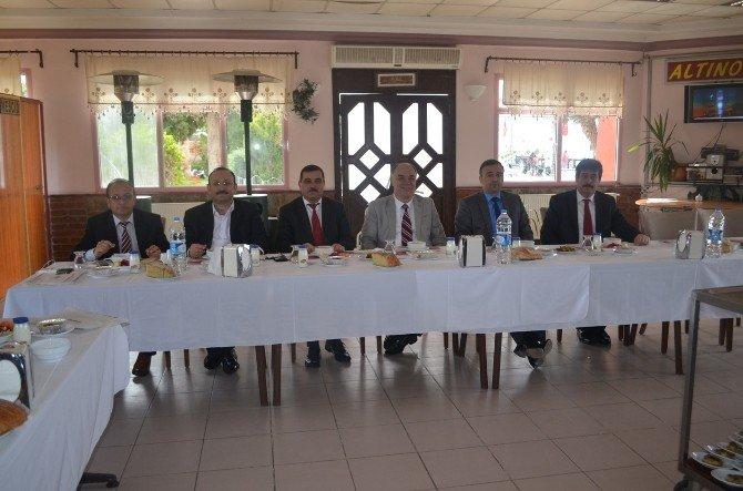 İlçe Milli Eğitim Müdürleri Kula'da Toplandı