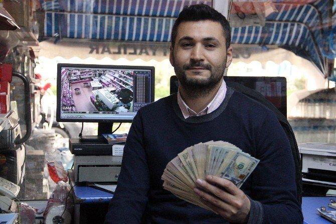 Bir 'Tomar' Doları, Hırsıza Kendi Eliyle Teslim Etti