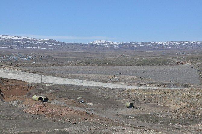 Kars Barajı'nda Çalışmalar Sürüyor
