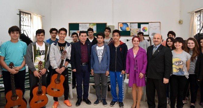Başkan Genç, Öğrencilerle Buluşmaya Devam Ediyor