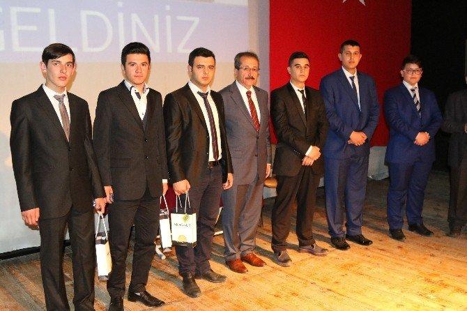 Hafızlık Ve Ezan Okuma Yarışması Finali Akhisar'da Yapıldı