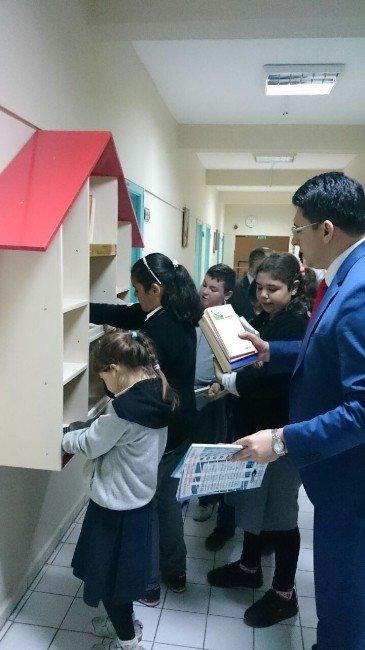 Öğrencilerden Hastaneye Kitap