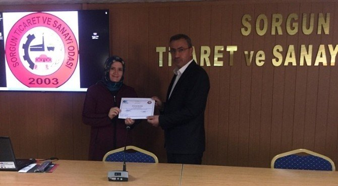 Sorgun'da Girişimcilik Eğitiminde Kursiyerler Sertifikalarını Aldı