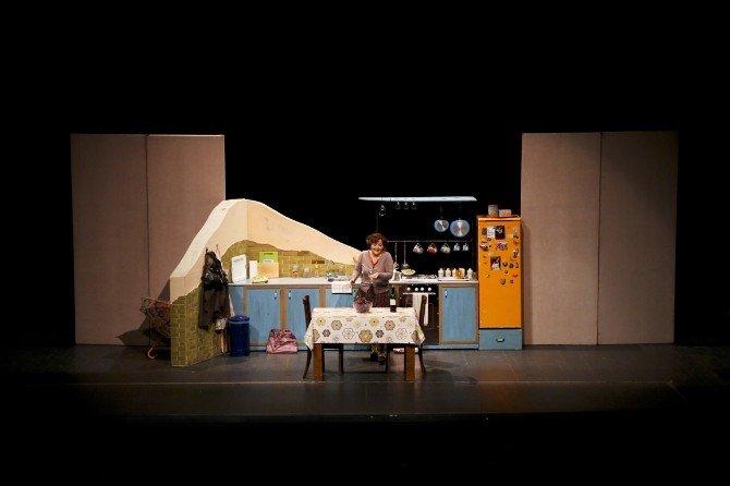 """Tiyatro Festivali'nde """"Shirley"""" Sahnelendi"""