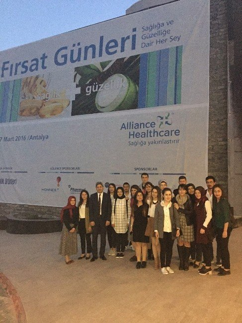 Sungurlu MYO Öğrencileri Uluslar Arası İlaç Fuarına Katıldı