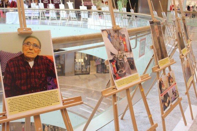 Park Afyon'da Yaşlılar Haftası İle İlgili Fotoğraf Sergisi Açıldı