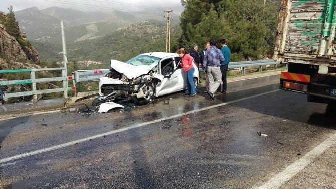 Adana'da Trafik Kazası: 3'ü Polis 4 Yaralı