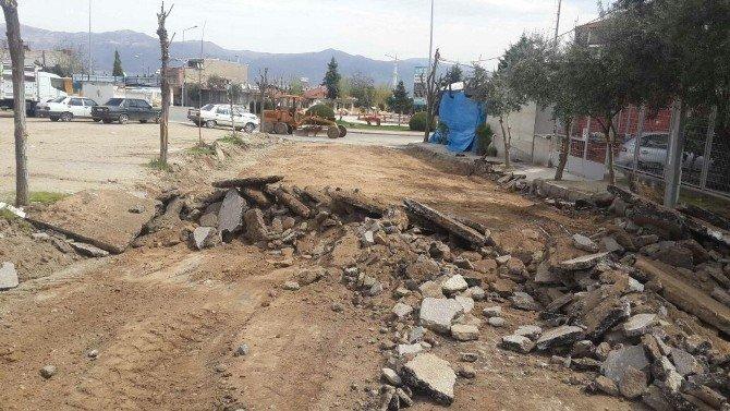 Alaşehir'de Yollar Bakıma Alındı