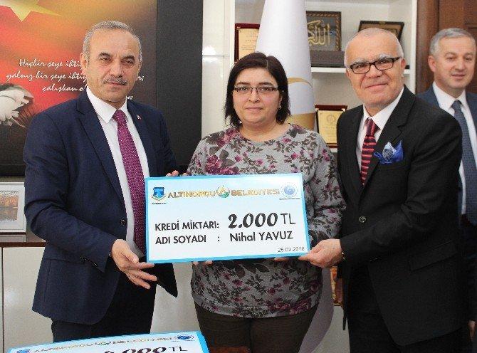 Altınordulu Girişimci Kadınlara 100 Bin TL Kredi