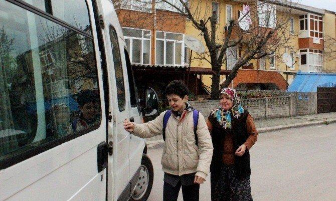 Engelli Vatandaşlar Servisle Kurslara Taşınıyor
