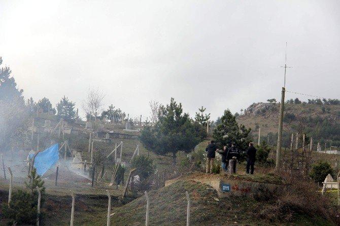 Mezar Kazılırken El Bombası Bulundu
