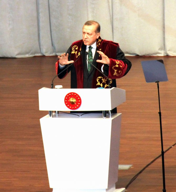 Erdoğan: 76 üniversitemizi 193'e, 25 havalimanını 57'ye çıkardık