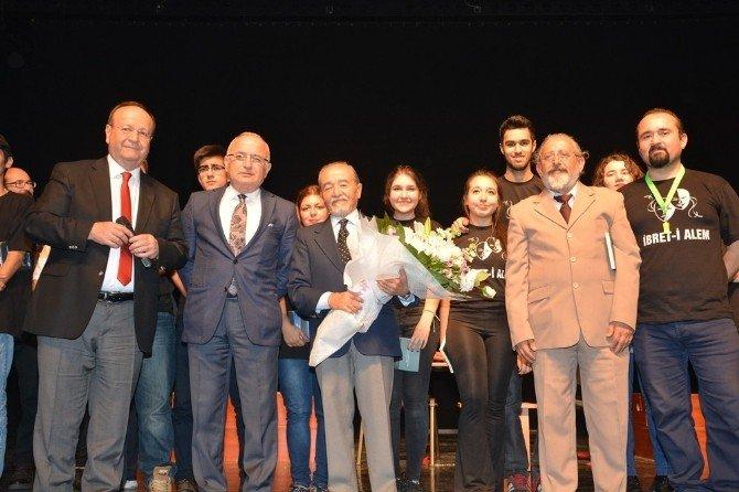 Başkan Özakcan'ın Dünya Tiyatrolar Günü Mesajı