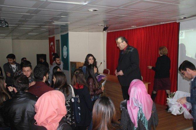 Burhaniye'de Yurt Dışı Eğitim Semineri