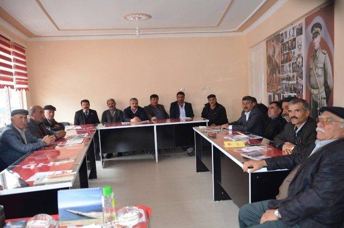 Başkan Erayhan, Köy Muhtarlarıyla Bir Araya Geldi