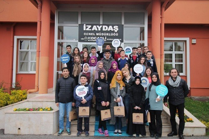 41 Genç 41 Gelecek Gençleri Gebze'de Fidan Dikti