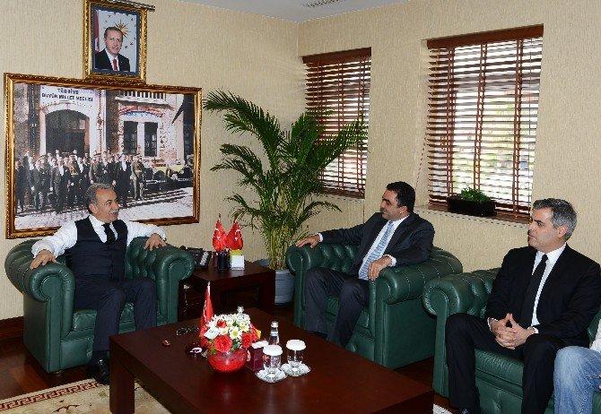 Adana Çiftçiler Birliği Yeni Yönetimi, Vali Büyük'ü Ziyaret Etti