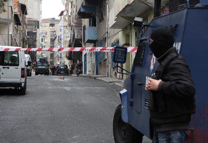 Okmeydanı'nda Şüpheli Paket Alarmı