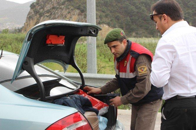 Osmaneli'de Polis Ve Jandarma Yol Kontrollerine Devam Ediyor