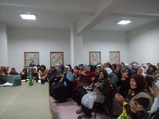 Halılar Köyü Kuran Kursundan 'Sancaklar Düşmeyecek' Tiyatrosu