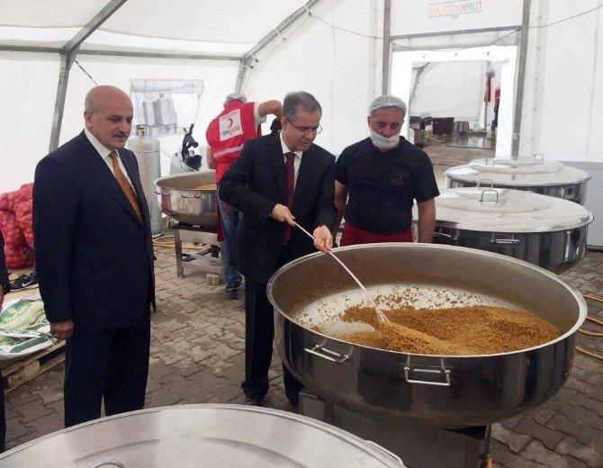 Türkiye Diyanet Vakfı'ndan Sınır Ötesine Gıda Yardımı