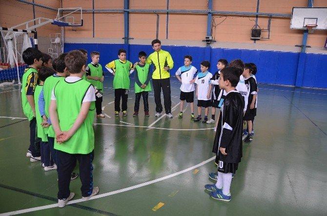 Bozüyük Belediyesi'nin Minikler Futsal Şenliği Başladı