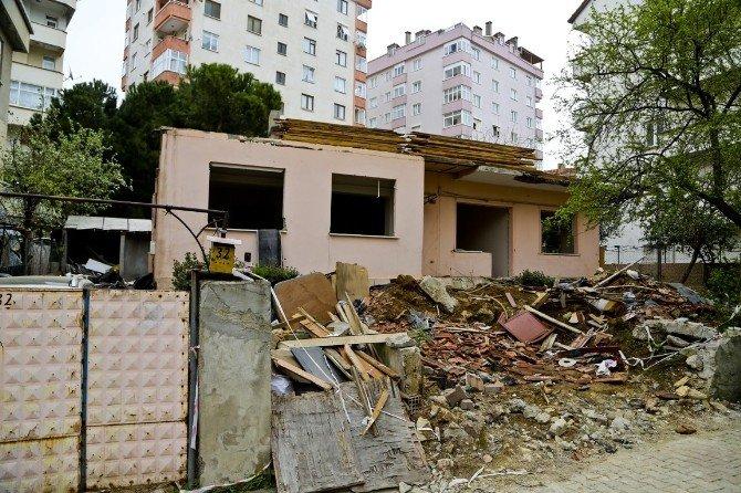 """Maltepe'de Yıkımlara """"Asbest"""" Şartı Getirildi"""