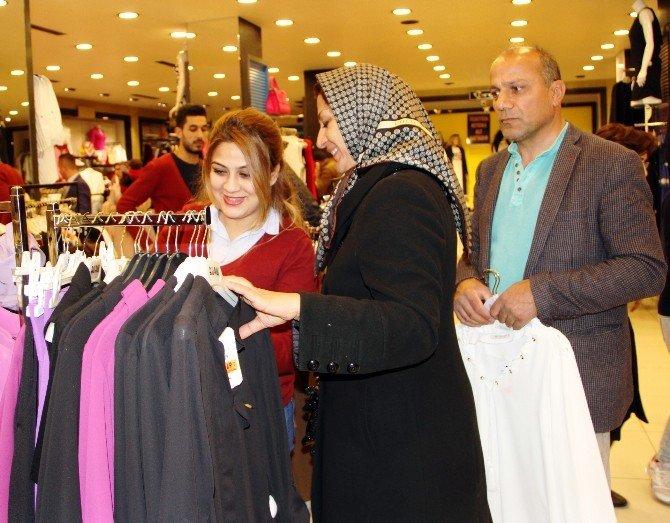 İranlılar Van Ekonomisine Can Kattı