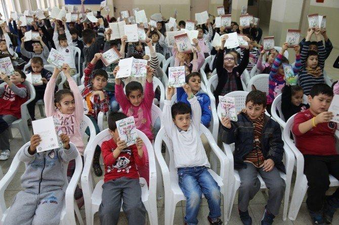 Nilüfer Öğrencileri Yazarlarla Buluşturuyor