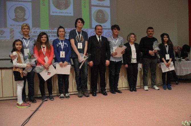 Geleceğin Bilim İnsanları Ödüllerini Aldı