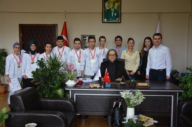 Omyo'nun Aşçıları Yemek Yarışmasında 16 Madalya Kazandı