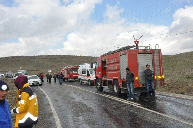 Sandıklı'da Cenaze Konvoyuna Kamyon Çarptı, 1 Ölü 2 Yaralı
