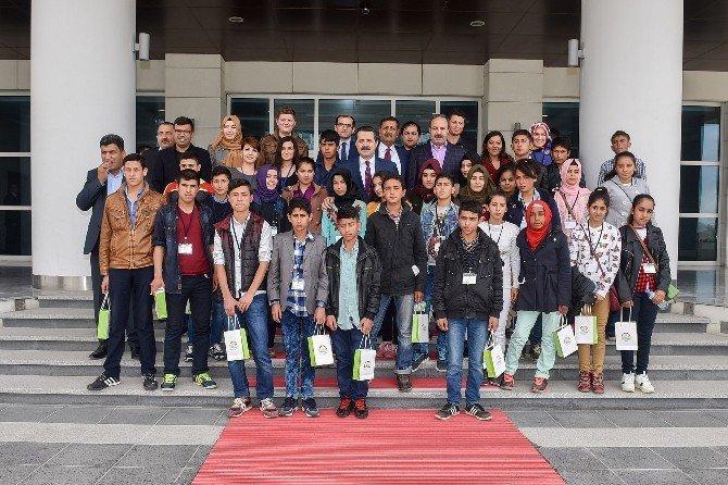 Şanlıurfalı Öğrencilerden Bakan Faruk Çelik'e Ziyaret