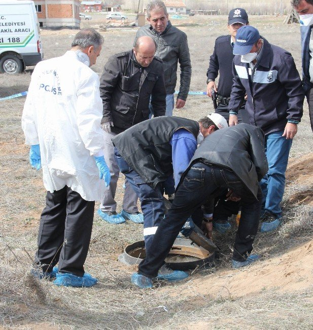 84 Yaşındaki Kayıp Kadın Rögar Çukurunda Ölü Bulundu