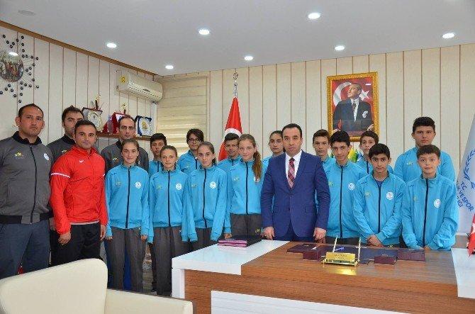 Bilecikli Atletler İzmir'e Uğurlandı