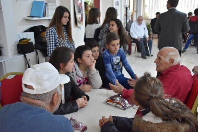 Huzurevi Sakinleri Çocuklara Masal Anlattı