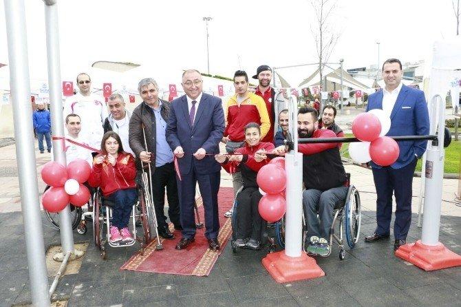 Engelsiz Parkı Galatasaraylı Oyuncu Açtı