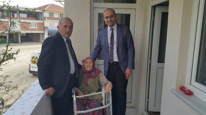 105 Yaşındaki Leman Nineye Ziyaret