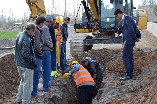 Yazıhüyük Kasabasında Su Şebekesi Değişim Çalışmaları Başladı