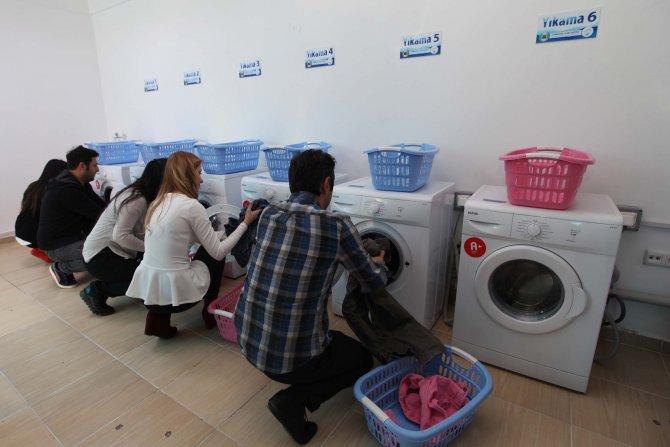 Yenimahalle Belediyesi'nden öğrencilere çamaşır yıkama desteği