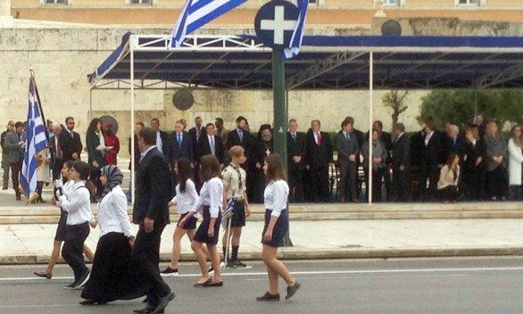 Başörtülü başarılı öğrenci Yunanistan'da gündem oldu