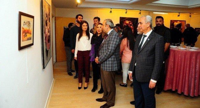 YYÜ Öğrencisi Arşimet İlk Resim Sergisini Açtı
