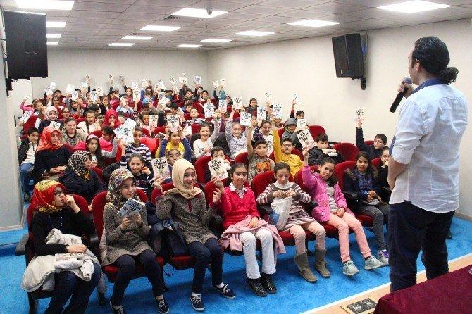 """Yazar Mehmet Yaşar: """"Hayalleriniz Olmadan Canlı Kalamazsınız"""""""