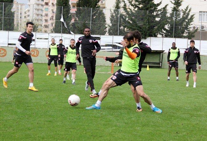 Adanaspor'un Neşesi Yerinde