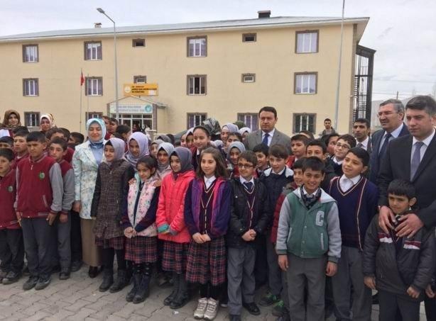 Doğubayazıt Ta Said-i Nursi İmam Hatip Ortaokulu Açıldı