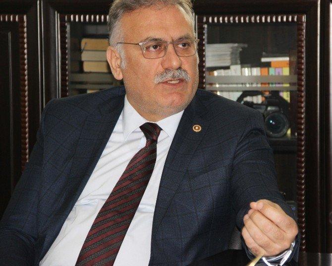AK Parti'li Yüksel'den 'Algı' Uyarısı